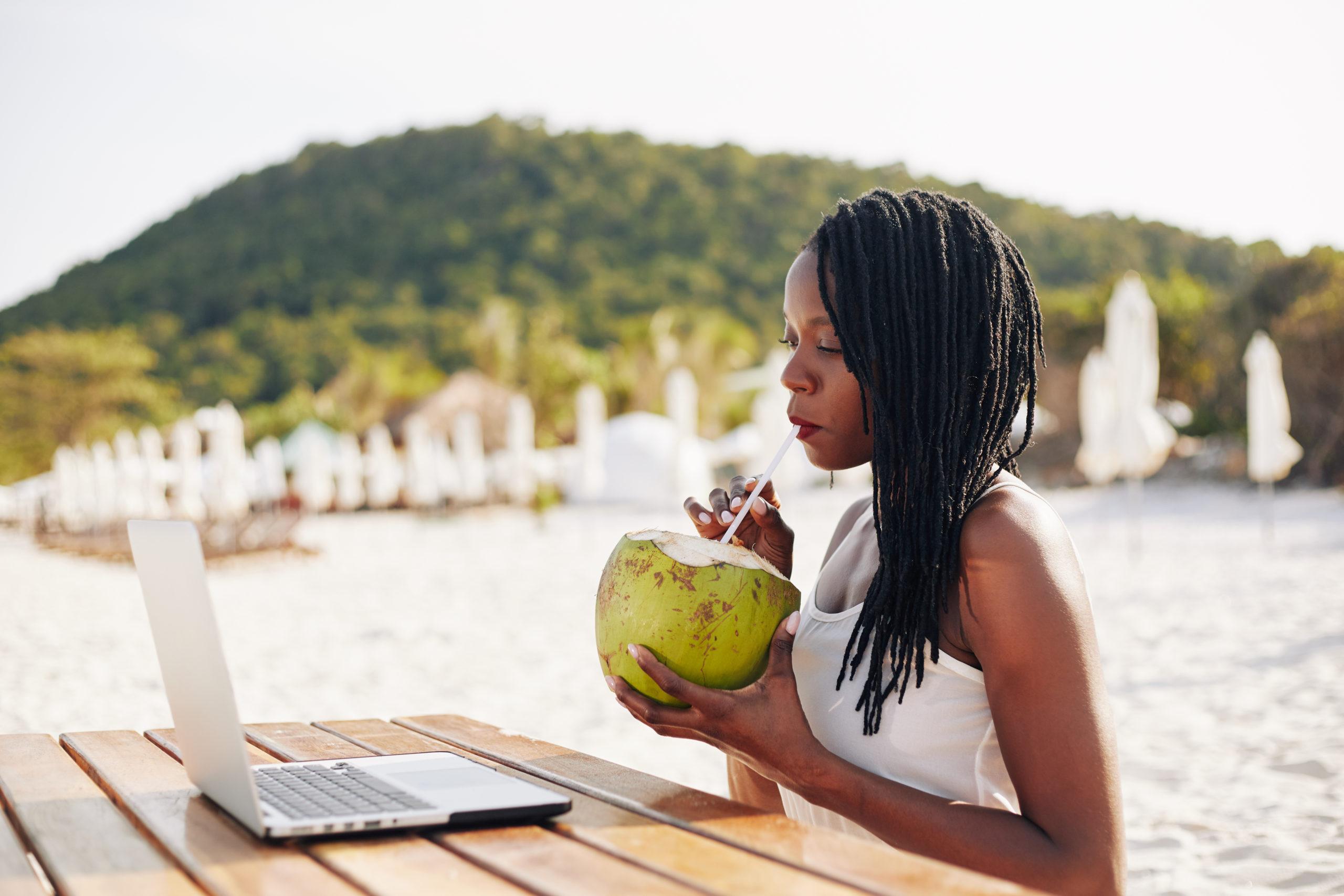 Geld verdienen als digital nomad: verkoop een cursus!